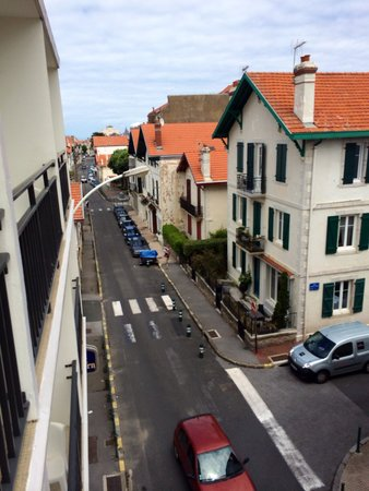 Best Western Kemaris: Street view from our room