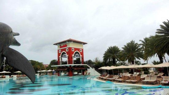 Sandals Grande Antigua Resort & Spa: Pool, Tower and Swim-up Bar