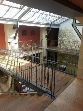 Hotel Le Pavillon du Chateau de Garrevaques : Verrière étage 2