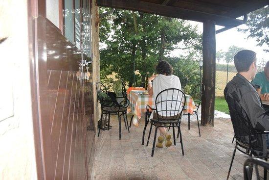 Agriristoro Focacceria La Dogana : si può mangiare fuori (anche quando, come oggi, piove)