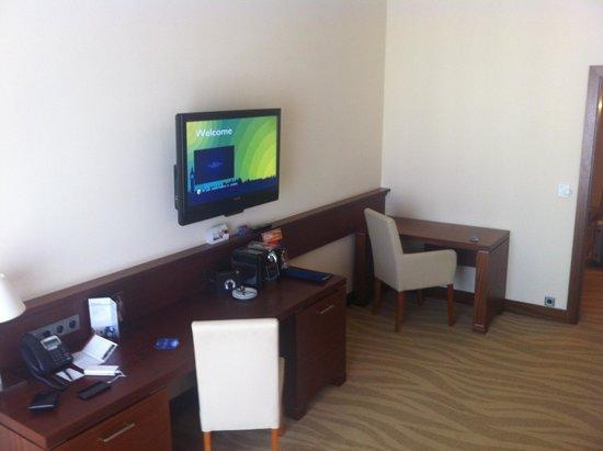Radisson Blu Hotel Gdansk: Desk area
