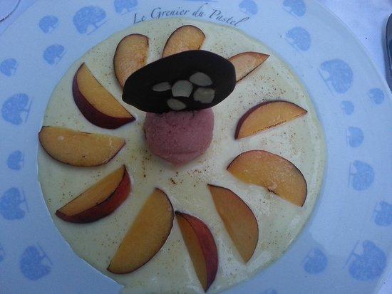 Hotel Le Pavillon du Chateau de Garrevaques : Gratin de fruits