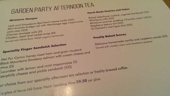 Celtic Manor Resort: garden party afternoon tea