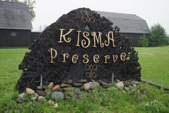 Acadia Zoo-Kisma Preserve: Root Sign