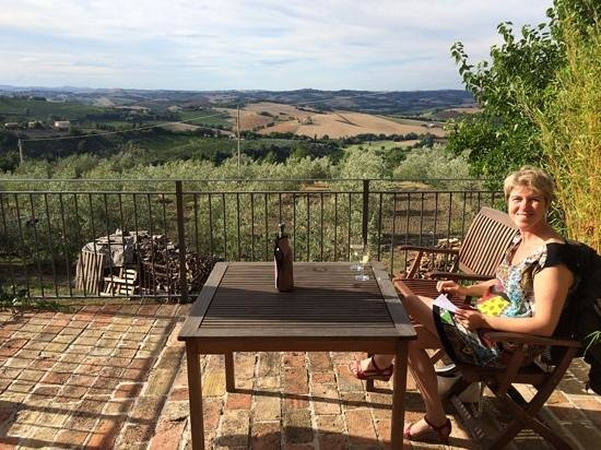 Agriturismo Canapina: het terras appt lavendula