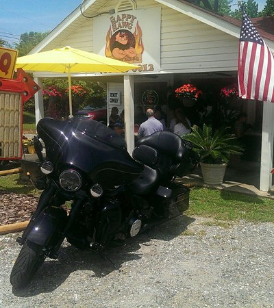 The Happy Hawg BBQ: Oconee Couple HD road trip.