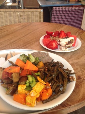 Tibits: Mixed veggie plate and desserts