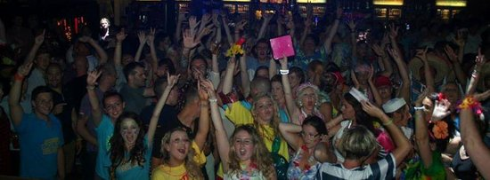 Newquay's Biggest Bar Tour: Newquay Bar Tour