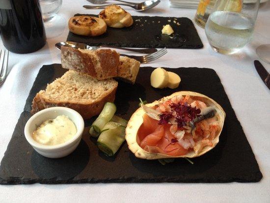Blas: Seafood platter.