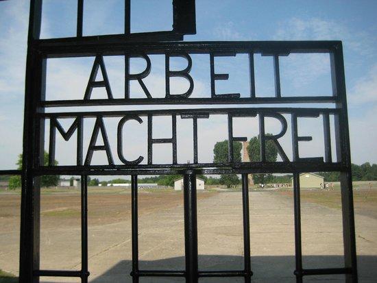 Gedenkstätte und Museum Sachsenhausen: whos kidding who