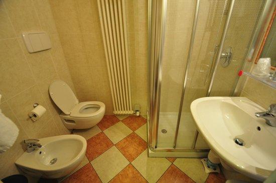 Hotel Due Colonne : La salle de bain