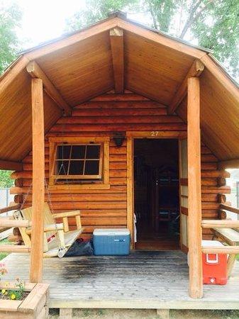 Cedar City KOA: camping cabin