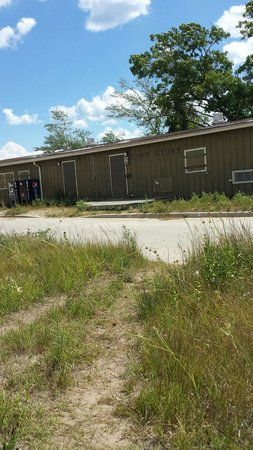 Illinois Beach State Park: The once concession stand and store where you could purchase your snacks and souvenirs.