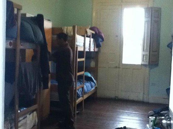 1900 Backpacker's Hostel: habitaciones