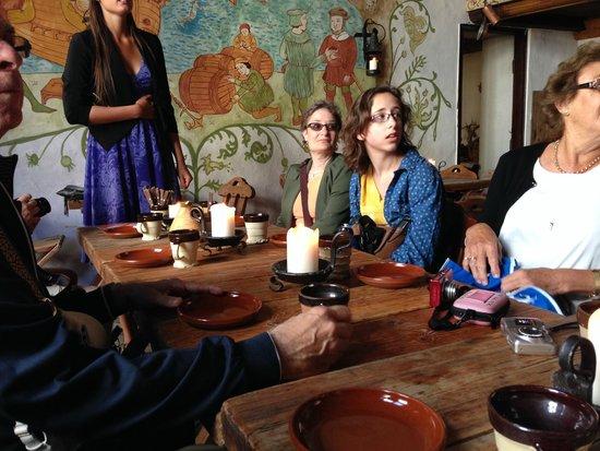 Olde Hansa : Table setting