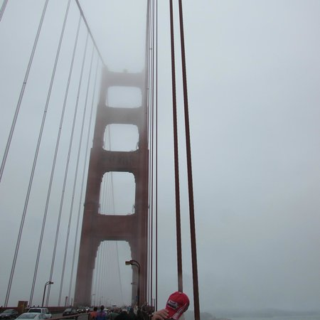 San Francisco City Guides : On the Golden Gate Bridge