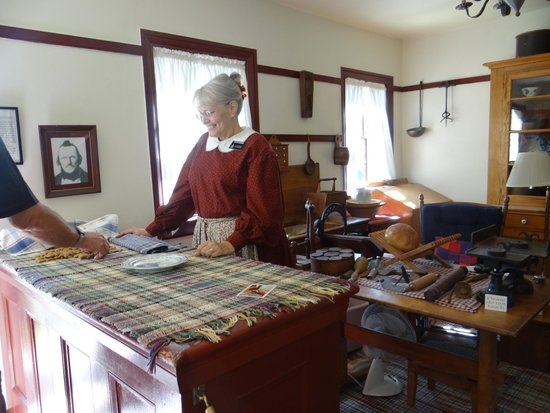 Historic Nauvoo : Inside the Bakery