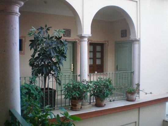 Casa Romana Hotel Boutique: Particolare del cortile interno