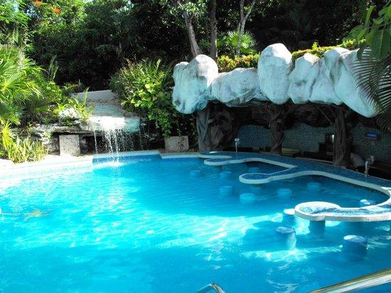 Swim Up Pool Bar Picture Of Iberostar Tucan Hotel Playa Del Carmen Tripadvisor