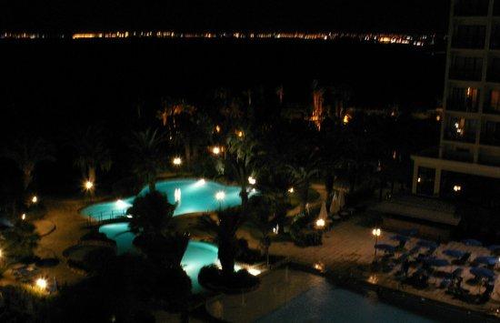 Golden Bay Beach Hotel: The swimming pool