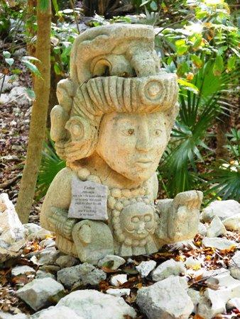 Iberostar Tucan Hotel: Mayan Statue
