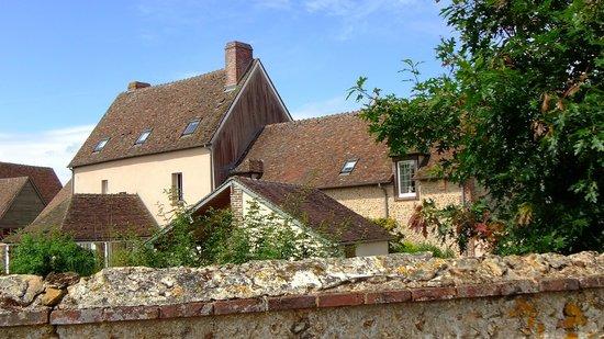 Domaine du Tronchay : Das renovierte Hauptgebäude von der Rückseite