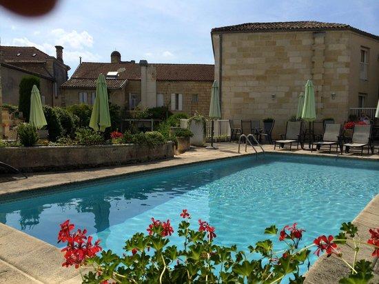 Hotel Palais Cardinal: La piscina