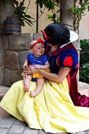 Epcot: Snow White was the sweetest!!