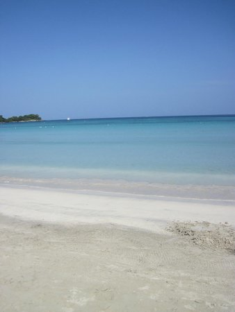 Hotel Riu Palace Tropical Bay: Wow!  What a great beach!