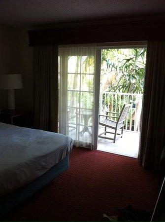Wyndham Sea Gardens: balcony access from bedroom