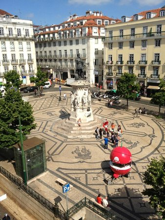 Bairro Alto Hotel: view of square from suite window