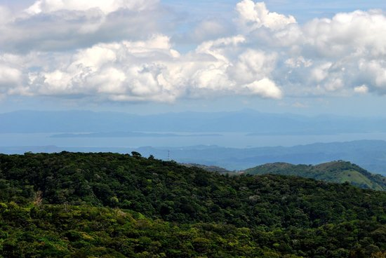 Los Pinos - Cabanas y Jardines: View of the Nicoya Peninsula from the lookout platform
