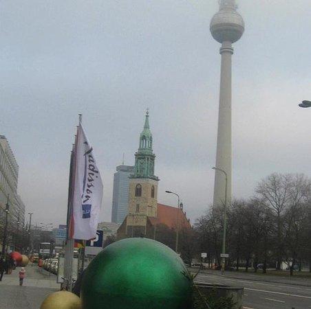 Berlin TV Tower : 1