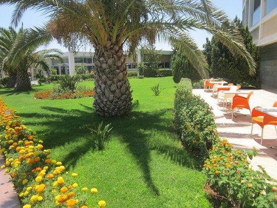 Kervansaray Hotel Kundu: garden