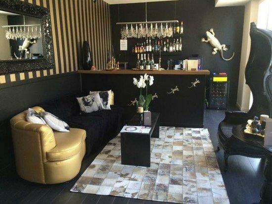 Hotel La Villa Cannes Croisette: Bar