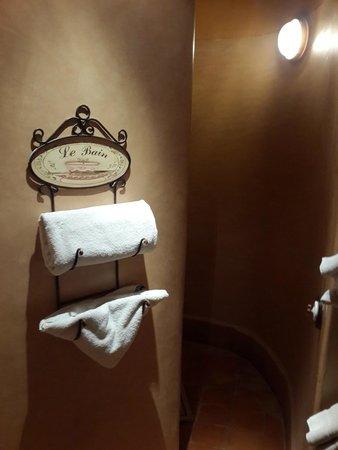Kasbah Hotel Tombouctou: Salle de bain originale