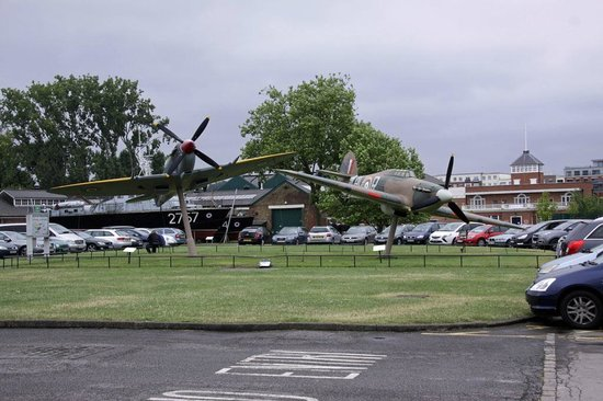 The Royal Air Force Museum London : Spitfire and Hurricane gate guards