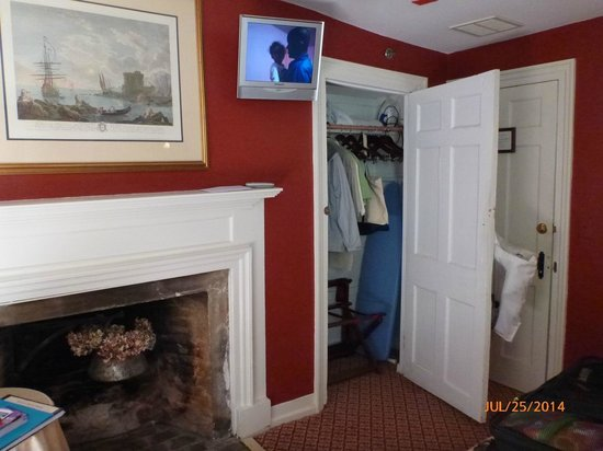 Samuel Durfee House: Fireplace, TV,  and closet