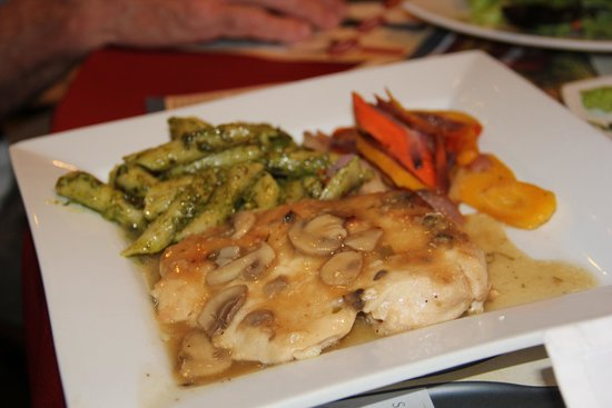 San Antonio Winery - Los Angeles: Chicken Marsala
