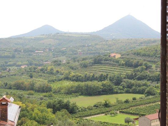 Villa del Poeta: vista sui colli