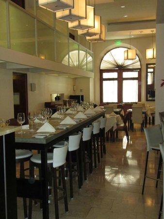 Cervantes: Dining area