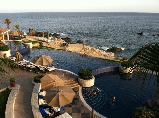 Hacienda Encantada Resort & Residences: Pool and ocean from our balcony