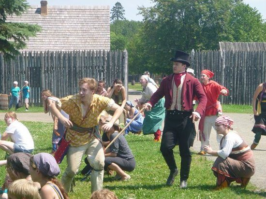 Fort William Historical Park: Take cover!