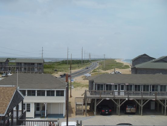 Outer Banks Motel: Looking north towards Avon