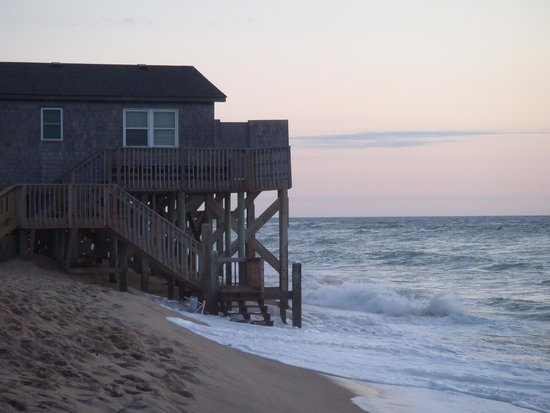 Outer Banks Motel: High tide