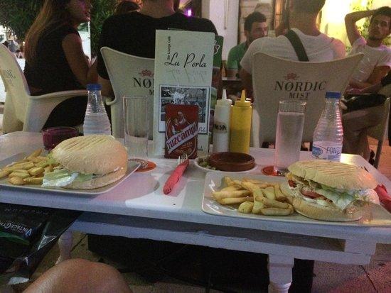 Cafe-Bar La Perla Lounge: Comida en condiciones