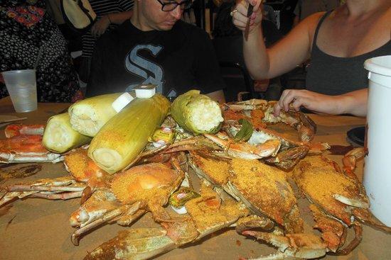 Cantler's Riverside Inn: A table full of crabs.