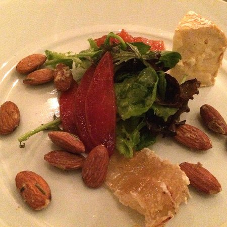 Redd: Cheese with almonds, honey comb, greens, peach compoteScallops, cauliflower, capers, grape, puré