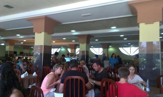 Reymar Playa: Comoda Buffet 24/7/2014, Diego Puicercús.