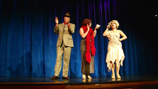 Capone's Dinner & Show : Show
